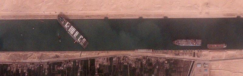 Buque marítimo bloquea el canal de Suez